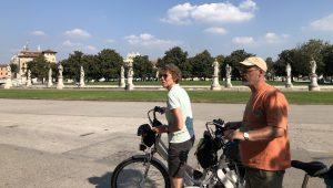 padova_pratodellavalle2_cicloturismoeuganeo_girobici.jpg